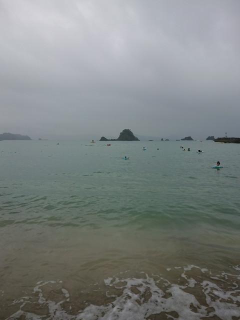 オチビ、初の海